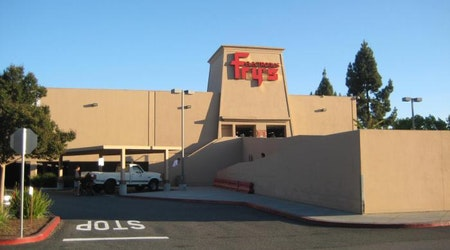 Fry's Electronics shuts down yet another longtime location, in Campbell