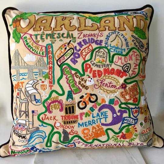 Oakland pillow