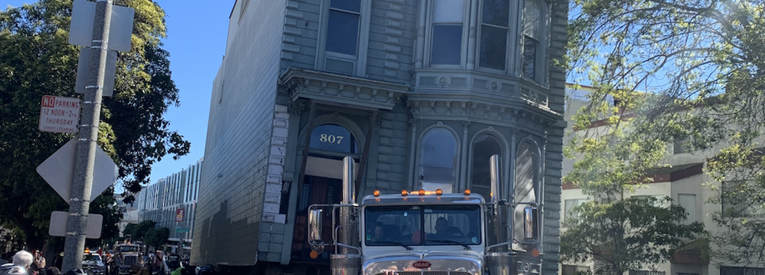 House parade: moving day for the Englander House in photos