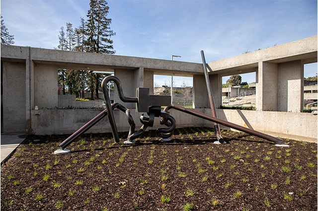 Photo: : Mr. Ishi sculpture by Peter Voulkos in OMCA outdoor gardens, near 12th St. entrance. Odell Hussey Photography, Courtesy of Oakland Museum of California