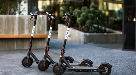 Oakland considers regulations for dockless scooters and bicycles