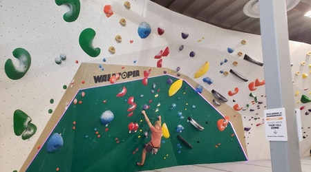 Scale that wall: Momentum Indoor Climbing now open in SoDo