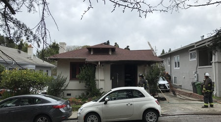 Residents safe after 2-alarm house fire near Piedmont Ave.