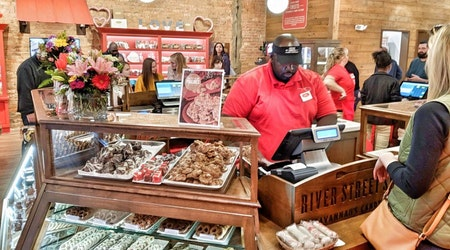 New candy store River Street Sweets * Savannah's Candy Kitchen now open