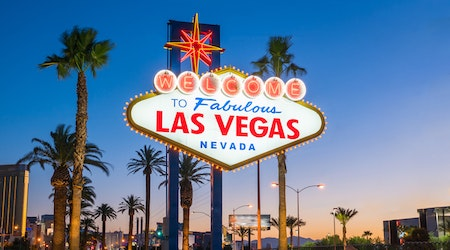 Cheap flights from Oakland to Las Vegas, and what to do once you're there