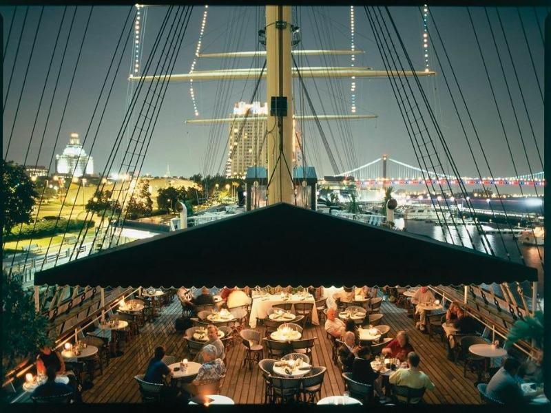 Feel The Love At Philadelphias 5 Most Romantic Restaurants