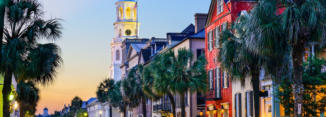 Exploring the best of Charleston, with cheap flights from New Orleans