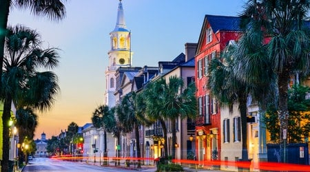 How to travel from Detroit to Charleston on the cheap