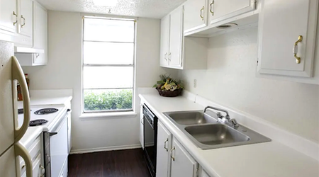 What apartments will $800 rent you in I-240 Corridor, right now?