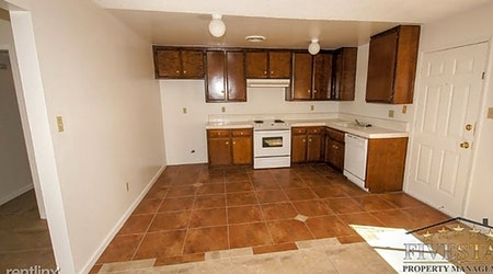 Apartments for rent in Bakersfield: What will $1,100 get you?