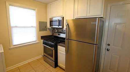 What apartments will $800 rent you in Berclair-Highland Heights, today?