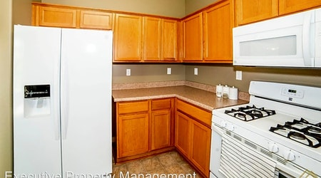 Apartments for rent in Bakersfield: What will $1,300 get you?