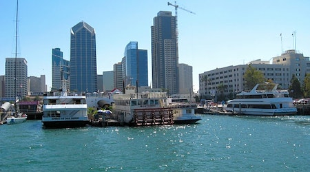 Top San Diego news: Freeze warning issued; firm signs apartment leases for short-term rentals; more