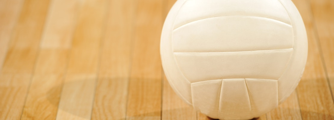 Glendale Adventist Cougars fall to de Toledo Jaguars in boys varsity volleyball thriller