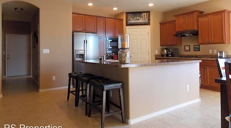 Apartments for rent in Albuquerque: What will $1,800 get you?