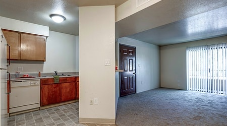 Apartments for rent in Albuquerque: What will $900 get you?