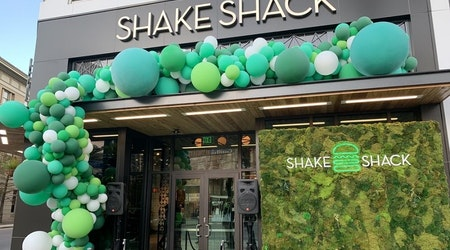 New Shake Shack location opens Downtown