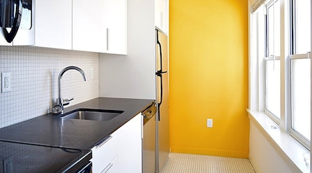 What apartments will $800 rent you in Hanover Place, right now?