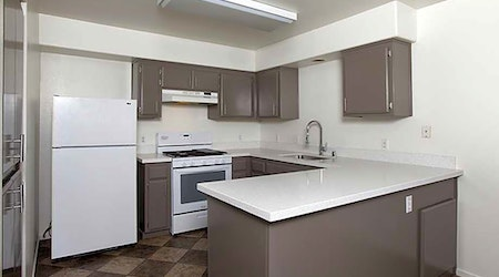 Apartments for rent in Bakersfield: What will $1,400 get you?