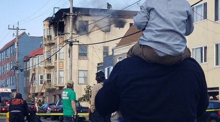 1 injured, 6 displaced in Outer Sunset building fire