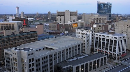 Top Detroit news: Hospitals prepare for patient overflow; GM, Ford called on to make ventilators