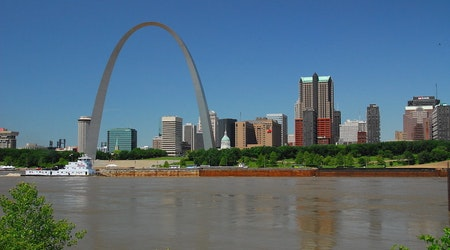 Top St. Louis news: 7-Eleven robbed at gunpoint; woman in 30s first to die from virus; more