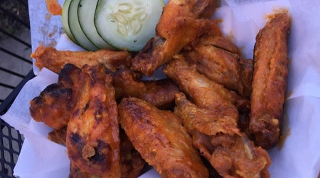 St. Louis' 3 favorite spots for inexpensive chicken wings