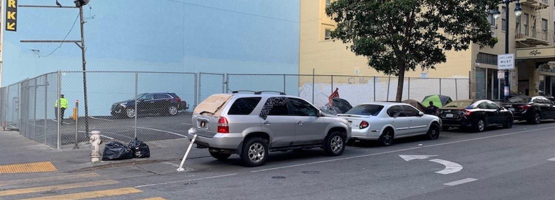 As tents line Tenderloin sidewalks, city pays $6,000/week to guard empty lot