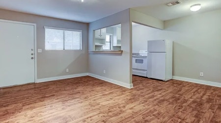 The cheapest apartments for rent in Neartown - Montrose, Houston