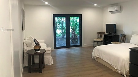 Budget apartments for rent in South-West Coconut Grove, Miami
