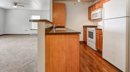 Budget apartments for rent in Yankee Hill, Milwaukee