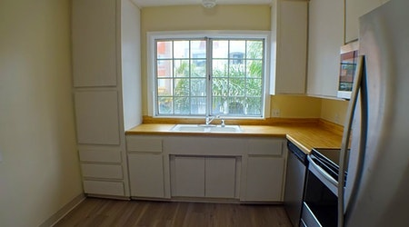 Budget apartments for rent in East Village, Long Beach