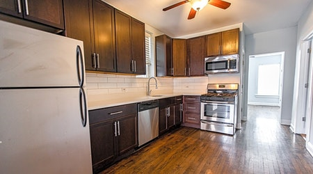 The cheapest apartments for rent in East Ukrainian Village, Chicago