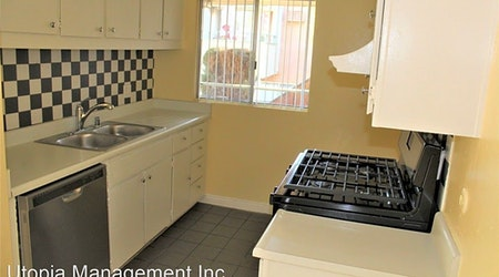 Apartments for rent in Santa Ana: What will $1,800 get you?