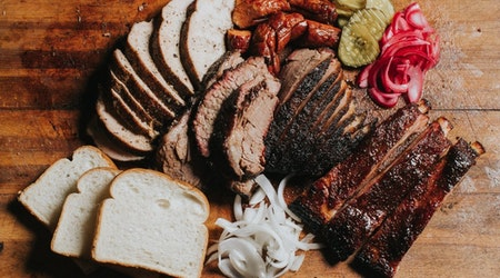 Oakland Eats: Horn Barbecue to open soon; Japanese barbecue chain Gyu-Kaku on the way; more